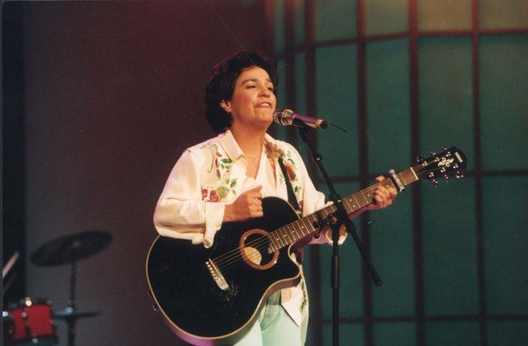 Zemřela portugalská zpěvačka Dina