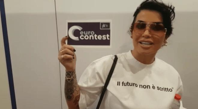 Jonida Maliqi: exkluzivní pozdrav